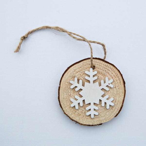 Scheibe, Holz, Schneeflocke, natur/weiß, 6 cm, zum Hängen
